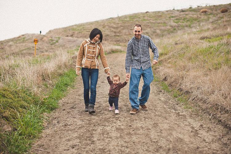 02-fun-happy-family-photography-mark-brooke