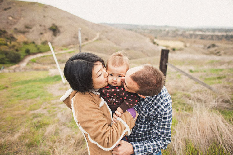 08-fun-happy-family-photography-mark-brooke