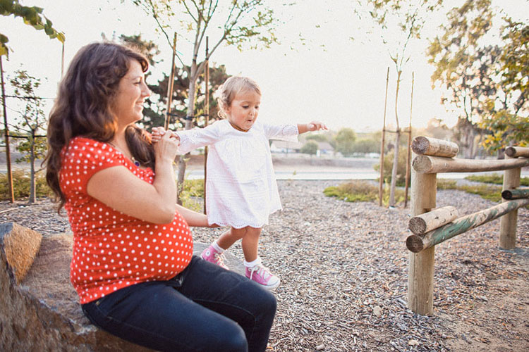 09-fun-happy-family-photography-mark-brooke