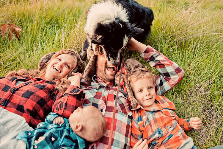 29-fun-happy-family-photography-mark-brooke